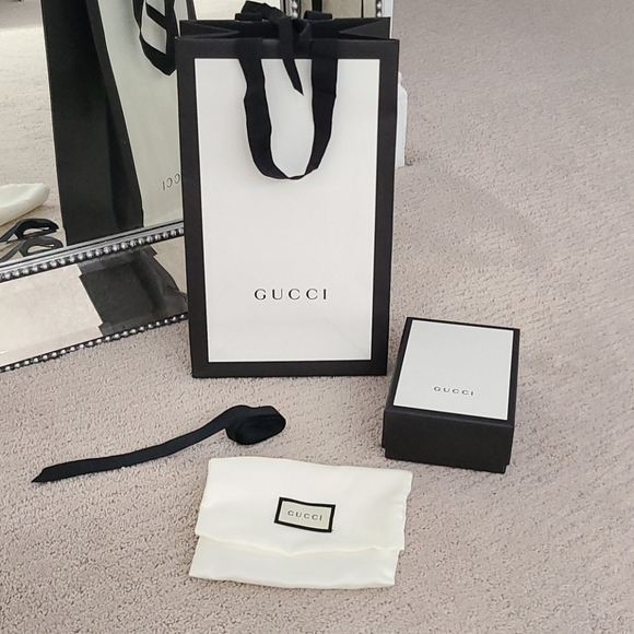 Gucci Gift Wrapping Bundle
